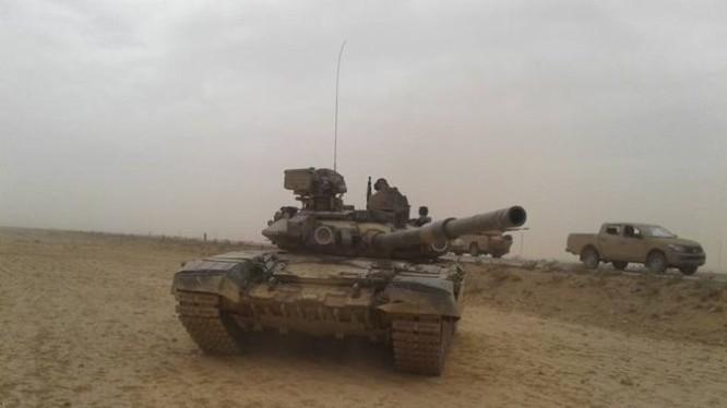 Xe tăng T-90 quân đội Syria trên chiến trường. Ảnh minh họa Masdar News