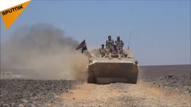 Quân đội Syria tiến công trên chiến trường Sweida. Ảnh minh họa Sputnik