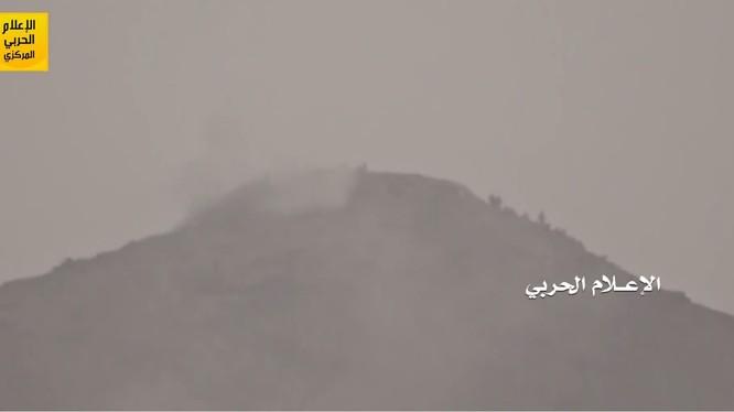 Lực lượng Houthi tấn công dữ dội quân đội Ả rập Xê út và quân Yemen của ông Hadi, ảnh minh họa video.