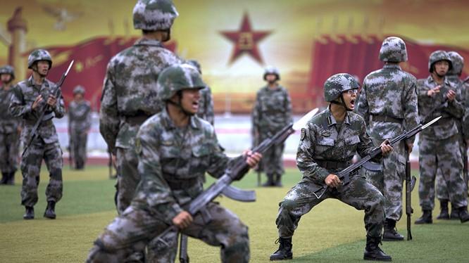 Binh sĩ Trung Quốc huấn luyện. Ảnh minh họa South China Morning Post.