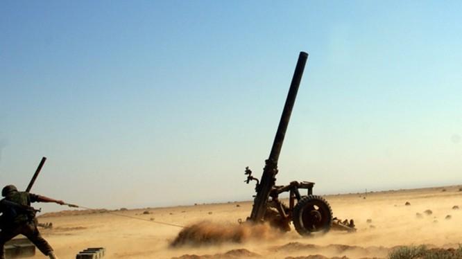 Pháo binh quân đội Syria bắn phá chiến tuyến của lực lượng Hồi giáo cực đoan ở Hama