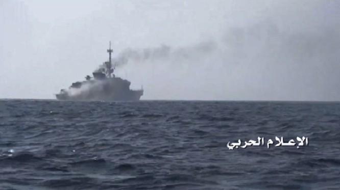 Lực lượng hải quân Houthi tấn công chiến hạm Ả rập Xê út. Ảnh minh họa South Front