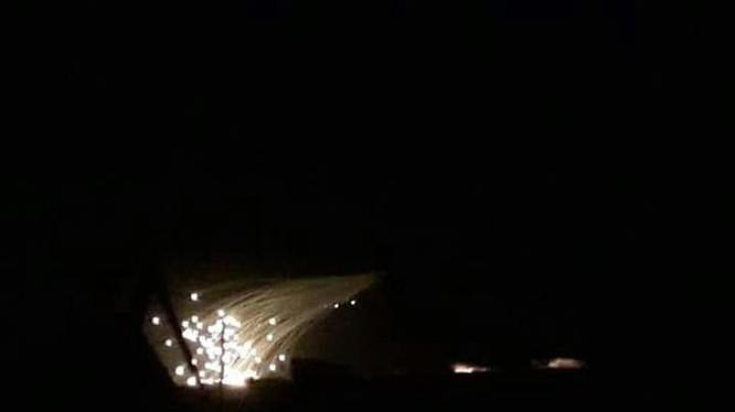 Mỹ sử dụng bom phot pho ở Deir Ezzor. Ảnh minh họa Daily Sabah