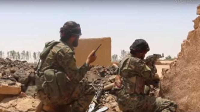 Lực lượng SDF tiến công trên thung lũng Euphrates. Ảnh minh họa South Front