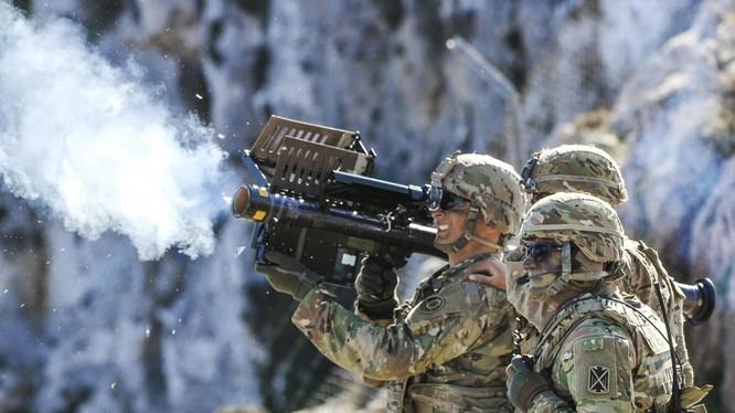 Tổ hợp tên lửa phòng không di động MANPAD Stinger quân đội Mỹ. Ảnh minh họa DefenseNews