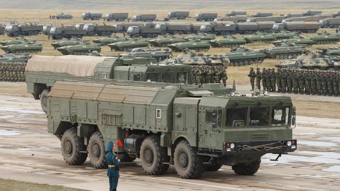 Lực lượng quân đội Nga tham gia diễu hành Vostok 2018. Ảnh Bộ quốc phòng Nga