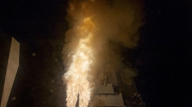 Chiến hạm JS ATAGO Nhật Bản phóng tên lửa đánh chặn SM-3 Mỹ. Ảnh minh họa DVIDs