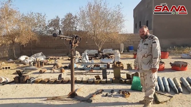 Vũ khí thu giữ được ở Deir Ezzor. Ảnh kênh truyền hình SANA