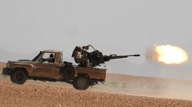 IS tiến công trên sa mạc tỉnh Homs - Deir Ezzor. Ảnh minh họa South Front