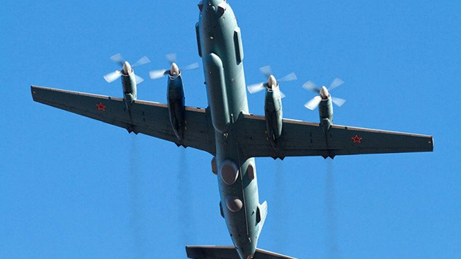 Máy bay trinh sát và giám sát chiến trường IL-20, bị nất tích trên biển Địa Trung Hải