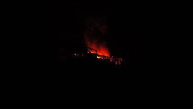 Tên lửa hành trình tấn công thành phố Latakia, phía Tây Syria. Ảnh minh họa video Masdar News