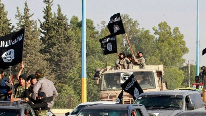 Các tay súng khủng bố IS trên chiến trường Syria, ảnh minh họa Masdar News