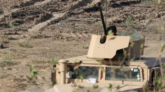 Lực lượng SDF, sử dụng phương tiện chiến đấu do Mỹ cung cấp, tấn công ở Deir Ezzor. Ảnh minh họa South Front