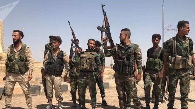 Binh sĩ Vệ binh Cộng hòa trên chiến trường sa mạc tỉnh Homs, Deir Ezzor. Ảnh minh họa Masdar News