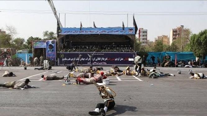 Cuộc tấn công khủng bố trước khán đài diễu hành quân sự ở Iran. Ảnh minh họa Masdar News