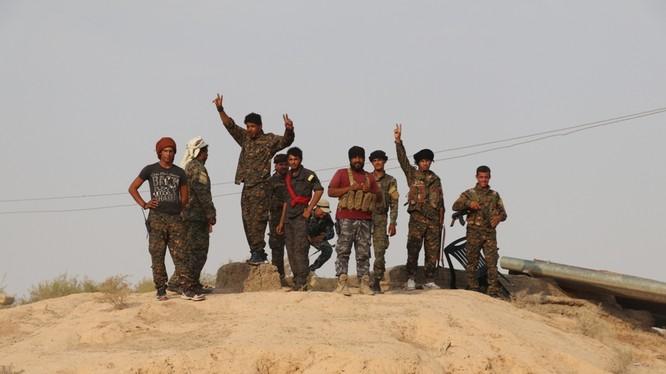 Lực lượng chiến binh SDF trên chiến trường Deir Ezzor. Ảnh minh họa South Front