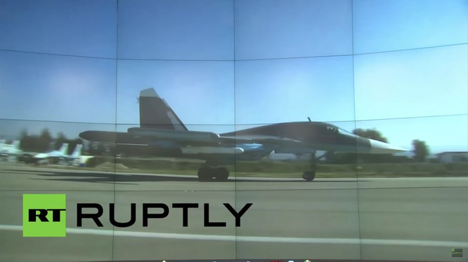 Máy bay ném bom Su-34 mang tên lửa chống tàu Kh-35 xuất kích. Ảnh minh họa video Ruptly