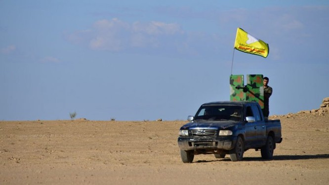 Chiến binh người Kurd trên vùng lãnh thổ Afrin, Aleppo