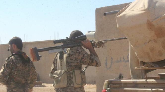 Một xạ thủ bắn tỉa người Kurd ở Afrin. Ảnh minh họa Masdar News