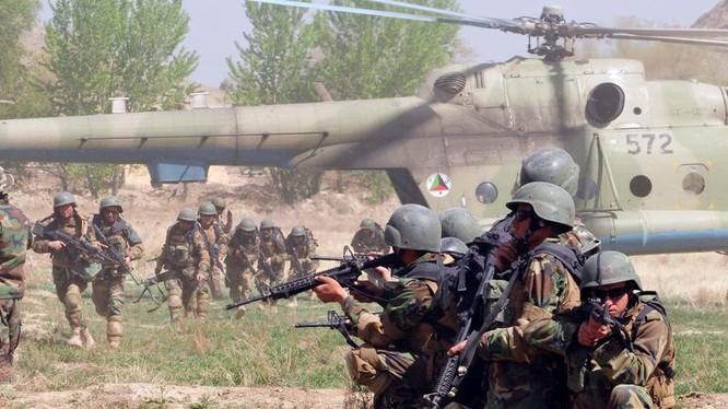 Binh sĩ đặc nhiệm Afghanistan chuẩn bị tiến hành chiến dịch. Ảnh minh họa quân đội Afghanistan.