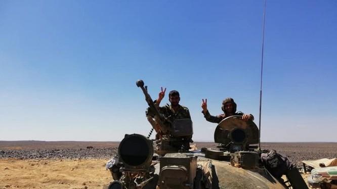 Binh sĩ quân đội Syria trên chiến trường Al-Safa, Sweida. Ảnh minh họa Masdar News