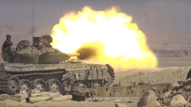Xe tăng quân đội Syria tiến công trên chiến trường Al-Safa, Sweida. Ảnh South Front