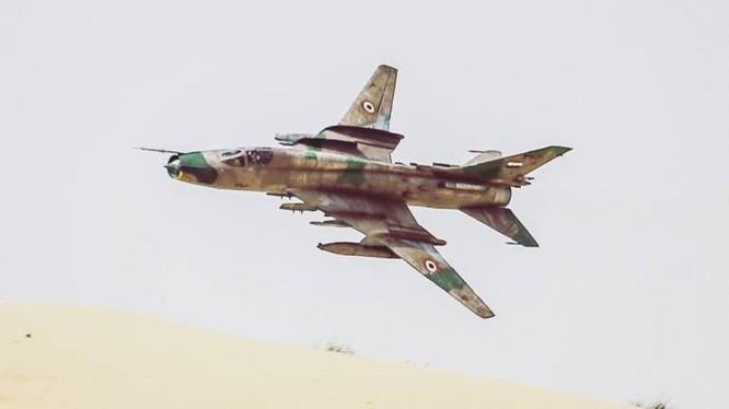 Máy bay chiến đấu Su-22M của không quân Syria trên chiến trường Hama - Idlib. Ảnh minh họa: Masdar News.