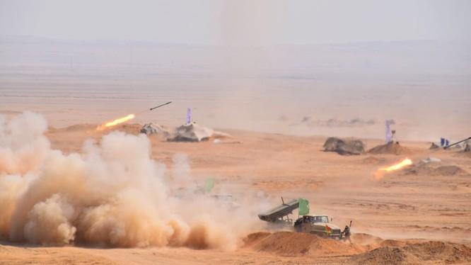 Lực lượng pháo phản lực Ai Cập diễn tập chiến đấu. Ảnh minh họa: Mahmoud Gamal.