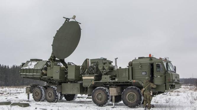 Đài tác chiến điện tử Krasukha -2O chống máy bay cảnh báo sớm AWACS. Ảnh TopWar