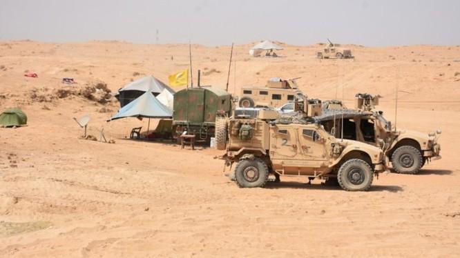 Lực lượng SDF chiến đấu phòng ngự trên chiến trường thung lũng phía đông Euphrates. Ảnh minh họa: South Front.