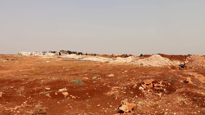 Chiến tuyến tỉnh Idlib, vũ khí hạng nặng đã bị rút khỏi lực lượng FSA do Thổ Nhĩ Kỳ hậu thuẫn. Ảnh minh họa: Masdar News.