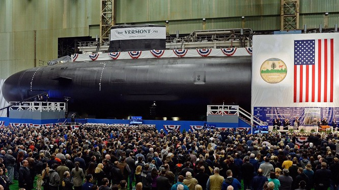 Lễ hạ thủy tàu ngầm nguyên tử Delaware (SSN791) của Hải quân Mỹ. Ảnh: Wavy.com.