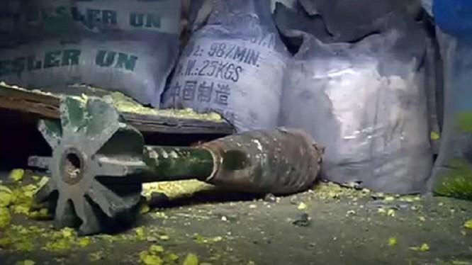 Vũ khí hóa học, bị quân đội Syria phát hiện trong những vùng được giải phóng khỏi sự chiếm đóng của các nhóm nổi dậy. Ảnh minh họa: South Front.