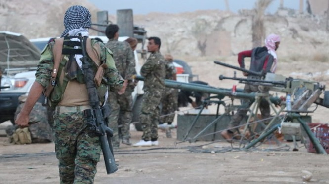 Dân quân người Kurd chiến đấu phòng ngự trên chiến trường Deir Ezzor. Ảnh minh họa: South Front.