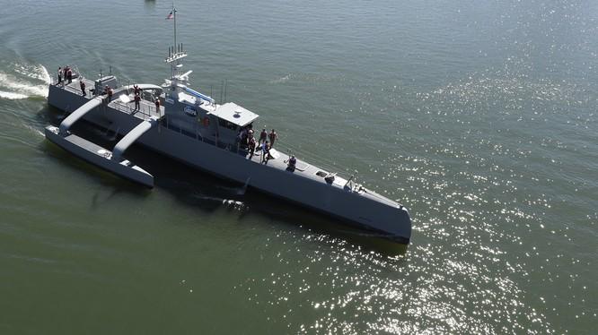 Xuồng săn ngầm không người lái (ASW) Sea Hunter thử nghiệm trên biển. Ảnh minh họa: DARPA.