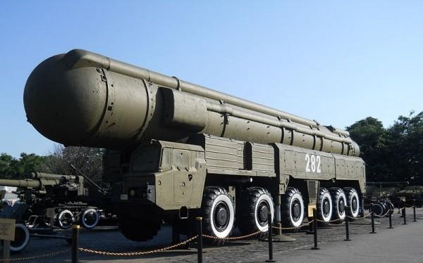 Tên lửa đạn đạo tầm trung RSD-10 Pioneer. Ảnh: RG.