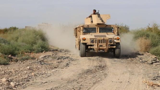Lực lượng dân quân người Kurd chiến đấu trên chiến trường Deir Ezzor. Ảnh minh họa: South Front.