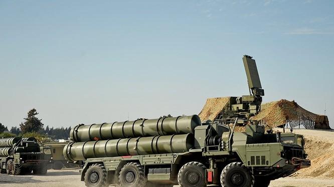 Hệ thống phòng không S-400 ở Syria. Ảnh minh họa: Russian Gazeta.