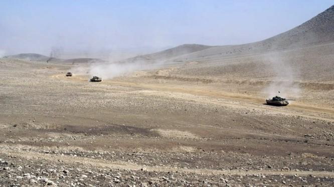 IS sử dụng tên lửa chống tăng ATGM tấn công quân đội Syria ở Al-Safa. Ảnh minh họa: Blog Suweida 24.