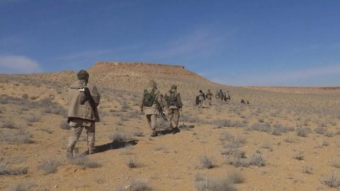 Binh sĩ quân đội Syria, chiến đấu trên chiến trường Al-Safa. Ảnh minh họa: South Front.