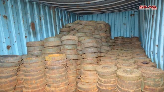 Kho mìn container của lực lượng khủng bố Hay'at Tahrir Al-Sham ở Quneitra. Ảnh: SANA.