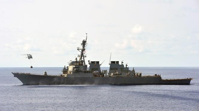 USS Decatur (DDG-73) Khu trục hạm Mỹ lớp Arleigh Burke, trang bị tên lửa có điều khiển và hệ thống Aegis. Ảnh: Defense News.