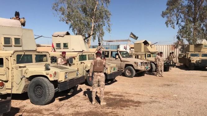Quân đội Iraq và lực lượng quân tình nguyện PMU triển khai dọc biên giới với Syria. Ảnh minh họa: Ruptly.