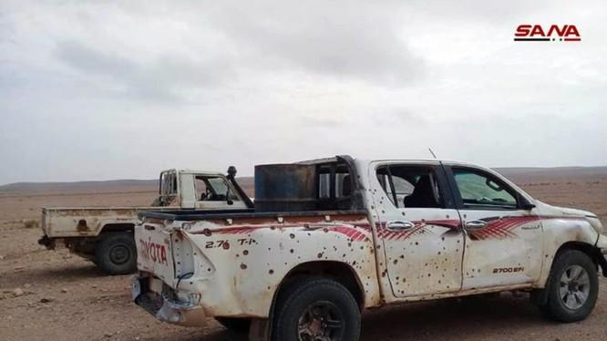 Xe cơ giới của IS bị quân đội Syria tấn công. Ảnh: South Front.