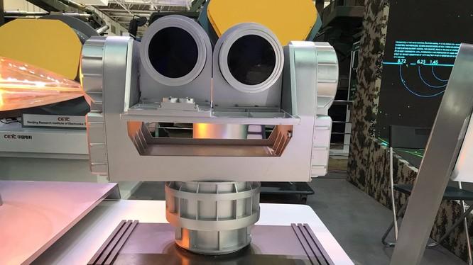 Nguyên mẫu radar lượng tử do các kỹ sư công nghệ Trung Quốc phát triển trong nước.