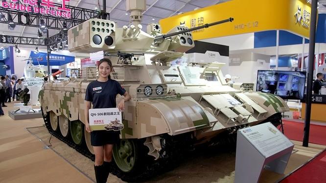 Xe yểm trợ hỏa lực tăng thiết giáp và bộ binh QN-506 của PLA. Ảnh minh họa RG
