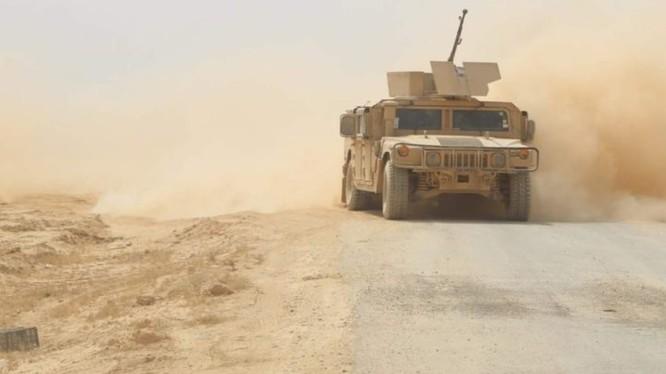 Lực lượng SDF chuẩn bị tiến hành cuộc tấn công vào chiến tuyến của IS ở Deir Ezzor. Ảnh: South Front.