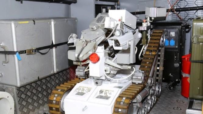 Hệ thống robot trinh sát hóa học và rà phá bom mìn MRK-RC, Nga. Ảnh minh họa Rusian Gazeta