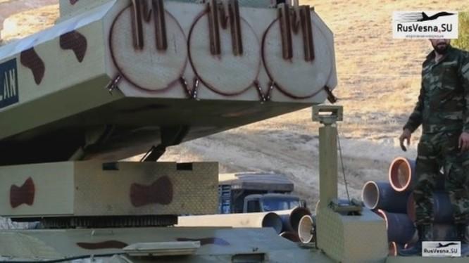 Quân đội Syria triển khai tên lửa mặt đất Golan - 1000 tấn công. Ảnh: Rusvesna.