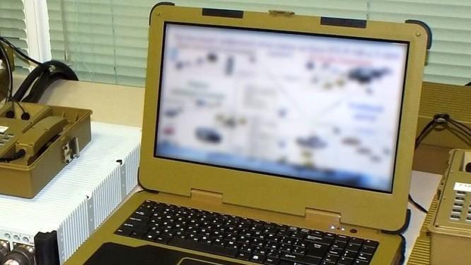 Máy tính quân sự của quân đội Nga, chỉ kết nối trong mạng Internet quân sự.